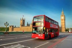 Londra-vista-Westminster-Palazzo-Houses-of-Parliament-Big-Ben-due-piani-bus-1024x682